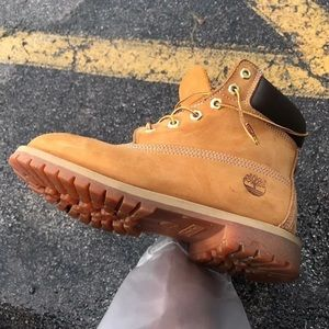 Timberlands ( Womens )